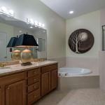 7128 Lemuria Circle 701 Naples-large-008-Owners Bathroom-1499x1000-72dpi